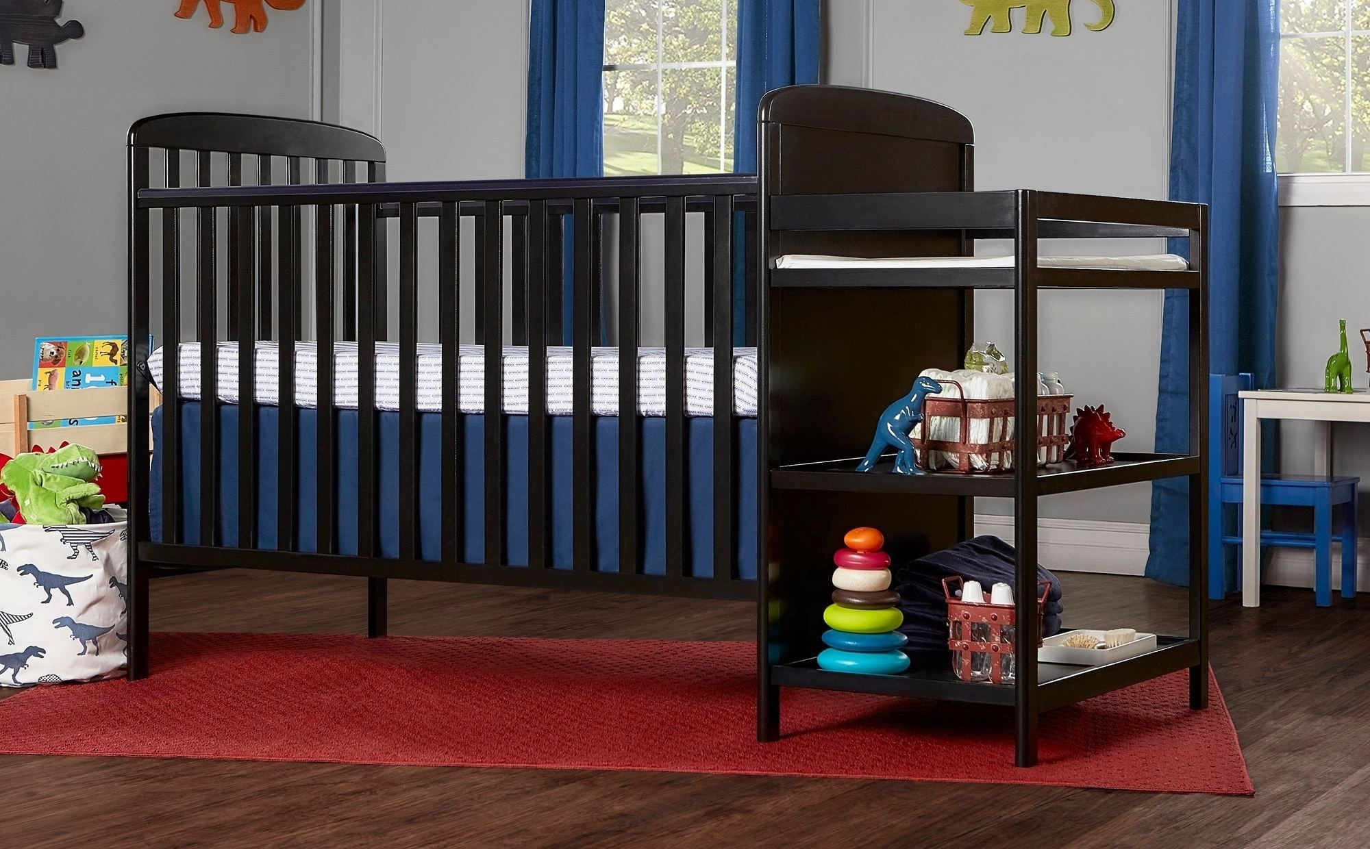 Dream-On-Me-4-in-1-crib-and-changing-table-combo-e1533746100218